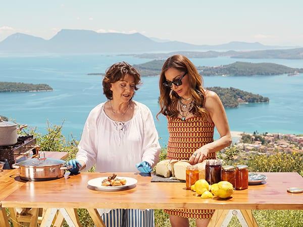 Δέσποινα Βανδή μαγειρεύει στην εκπομπή της