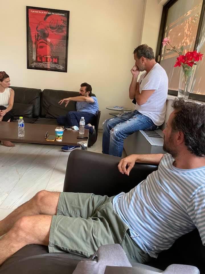 Φωτό από την πρώτη συνάντηση του Μαραβέγια και των συντελεστών στην ερτ