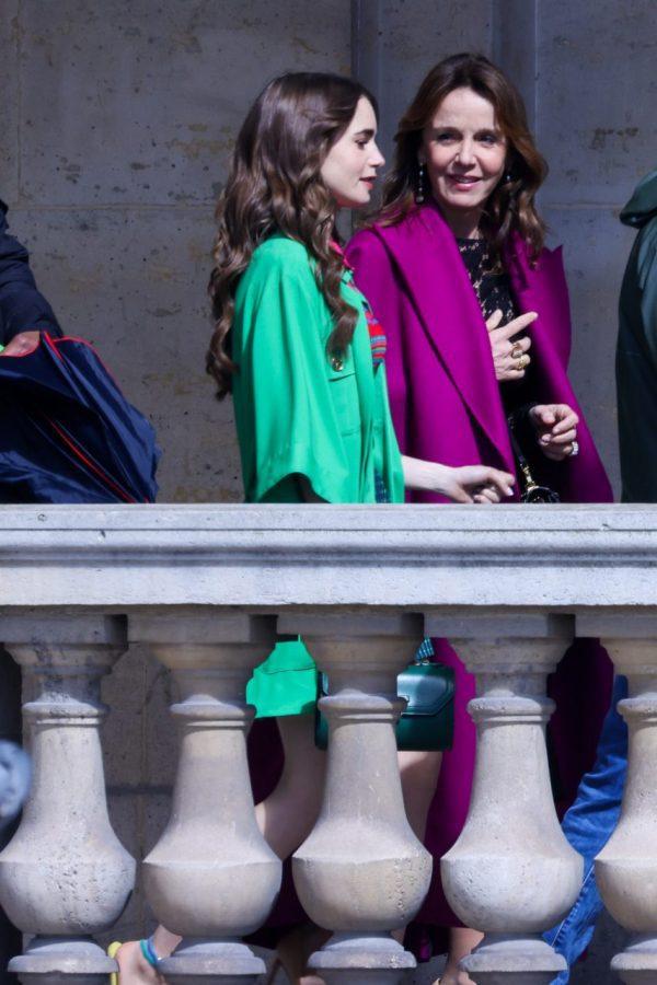 φωτογραφίες από τη σειρα Έμιλι στο Παρίσι σεζόν 2