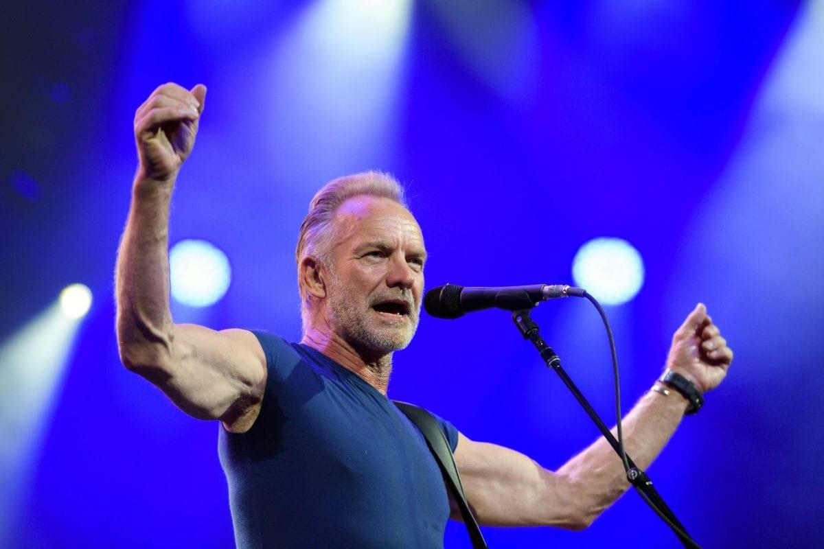 Ο Sting επί σκηνής
