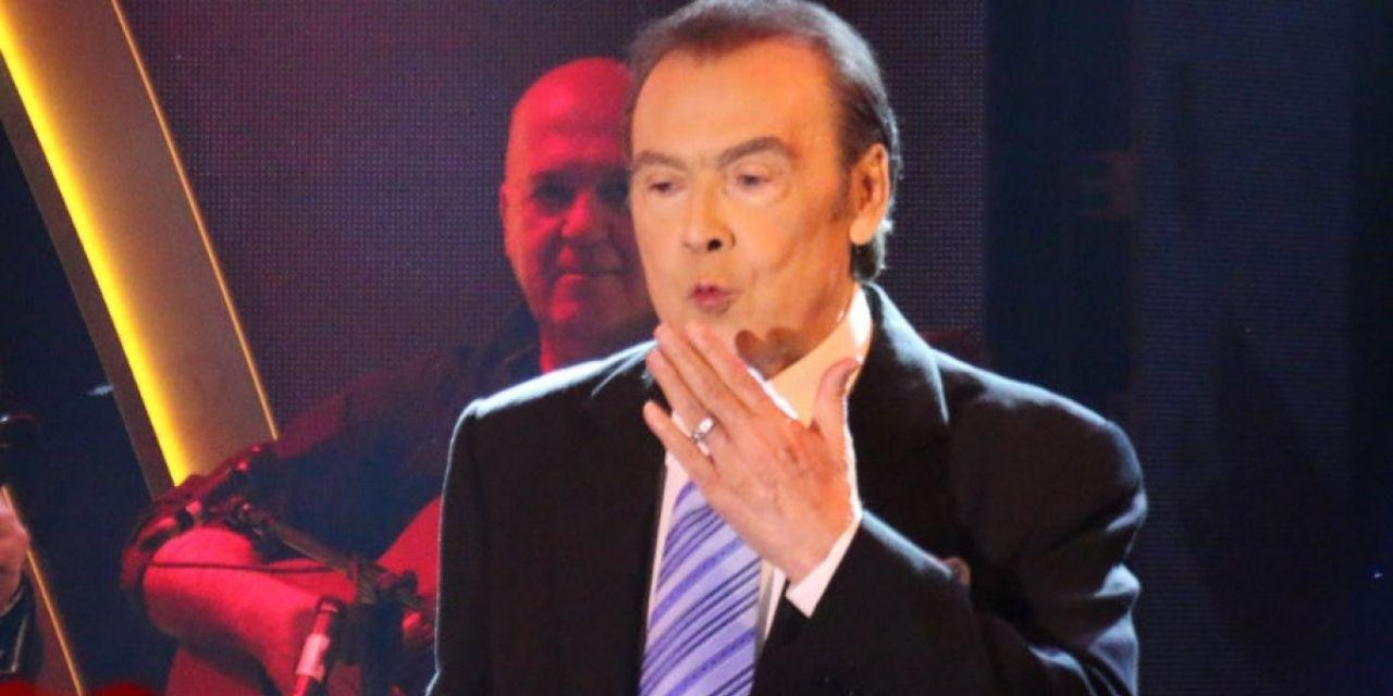 Ο τραγουδιστής Τόλης Βοσκόπουλος