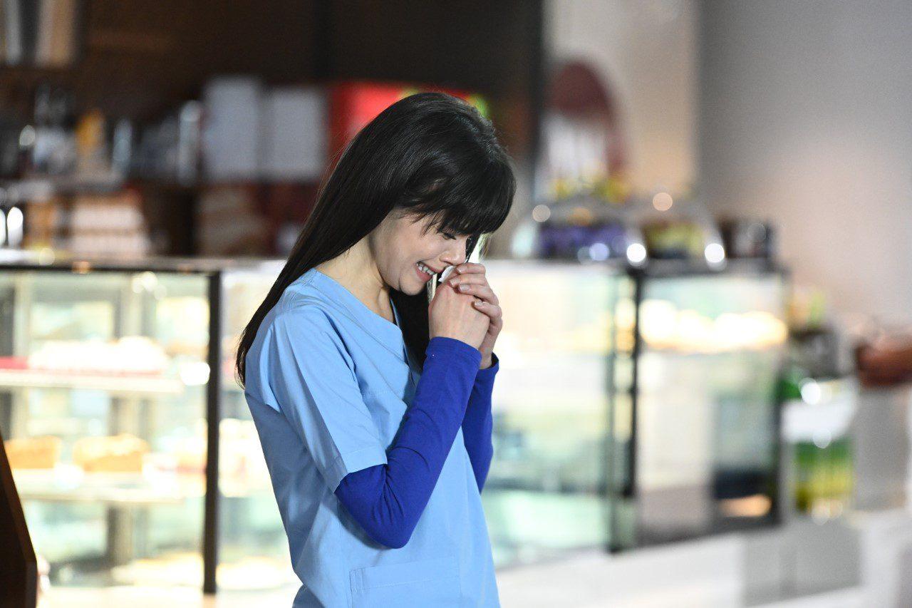 Η Ναζλί κλαίει στη σειρά ο γιατρός