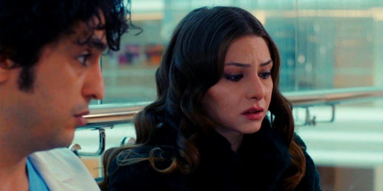 Ο Αλί και η Έζο συζητούν