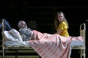 Η Κίτσου στο Θέατρο Παλλάς στο Τρίτο Στεφάνι