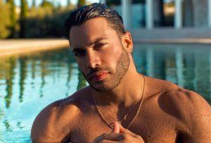 Ο Ασημακόπουλος στους Survivor παρουσιαστές