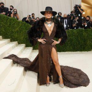Η Jennifer Lopez στο MET Gala