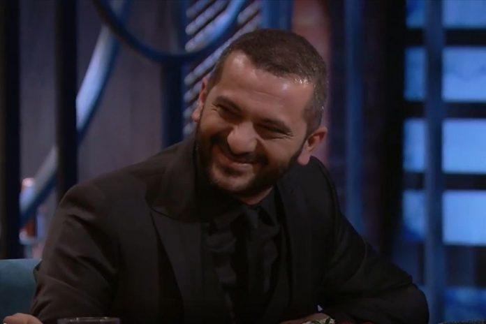 Ο Λεωνίδας Κουτσόπουλος σε πλάνο από τα γυρίσματα του MasterChef 6