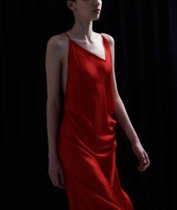 Κόκκινο φόρεμα του Άγγελου Μπράτη