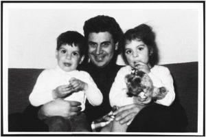 Zip the Day - Μίκης Θεοδωράκης με τα παιδιά του