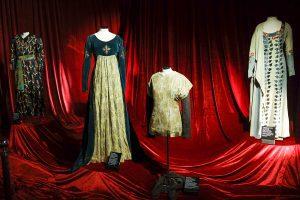 Zip the Day - Φορέματα από το Εθνικό Θέατρο