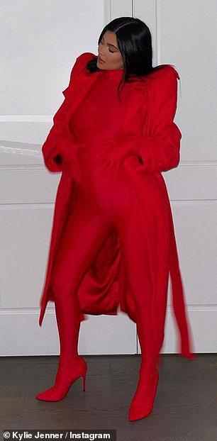 Η Kylie Jenner στα κόκκινα